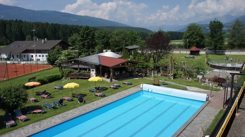 Schwimmbad Hotel Gasthof Edy in Pfalzen.